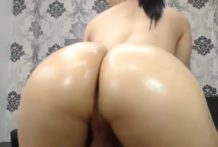 Big Booty Oiled Up Tgirl