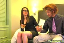Spex tranny amateur fucked in her tight ass